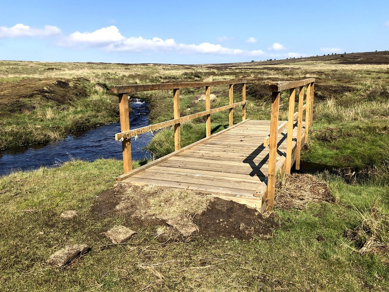 This image has an empty alt attribute; its file name is Bridge-1-over-Ellerbeck.jpg